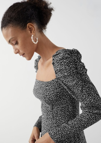 https://www.stories.com/en_gbp/clothing/dresses/midi-dresses/product.square-neck-puff-sleeve-midi-dress-black.0850343001.html